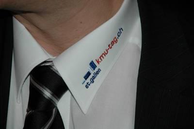 Logo auf Kragen